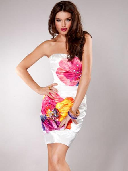 Büyük çiçek desenli elbise