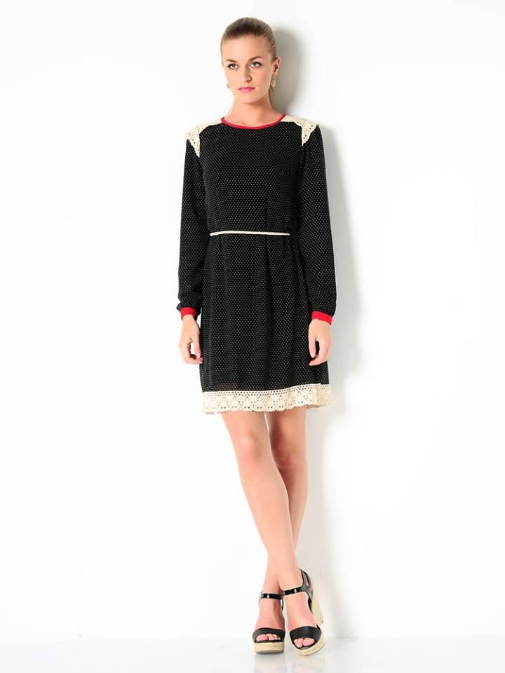 Siyah dantelli mini elbise