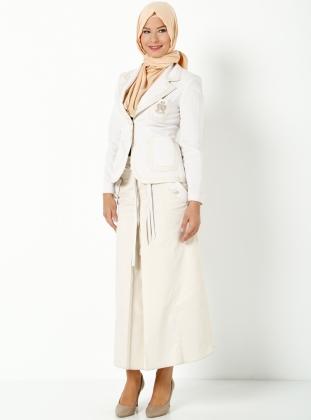 Tesetturlü çizgili takım elbise
