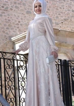 beyaz uzun Büyük Beden Tesettürlü Elbise Modelleri