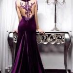 sırt kısmı dantel işlemeli kadife elbise